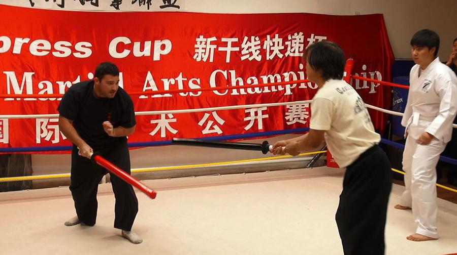 The format of short weapon sparring is continuous. Refer will stop and restart the fight if one or both competitors fall on the ground, one or both weapons fall on the ground, or one competitor grabs the handle and takes away the opponent's weapon. (WFMAF)
